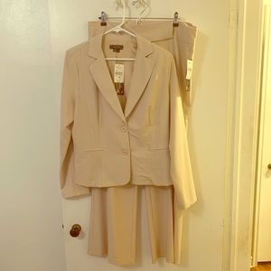 NWT My Michelle Juniors suit set!